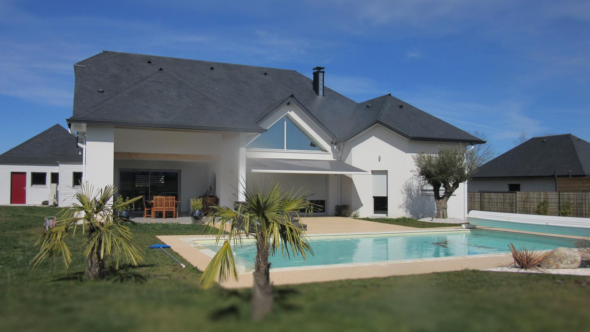 La Bonne Maison - Terrasse avec piscine